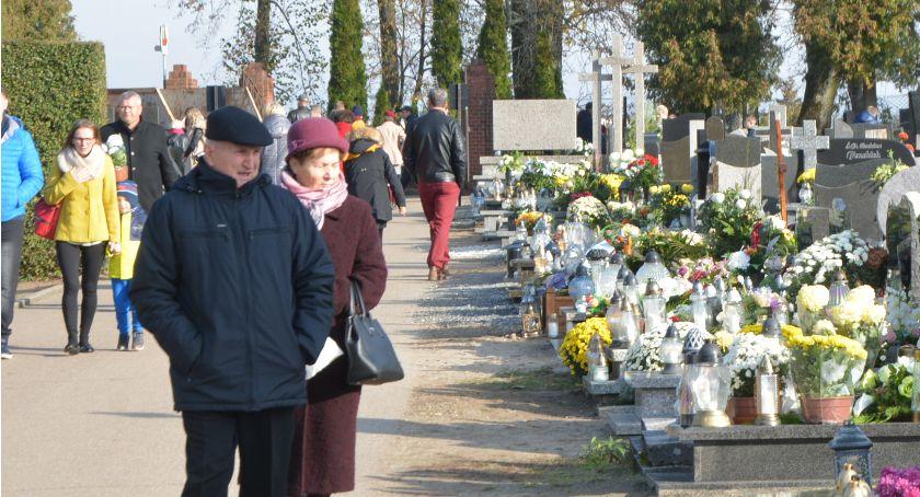Odeszli od nas..., Dzień Wszystkich Świętych kościerskiej nekropolii - zdjęcie, fotografia