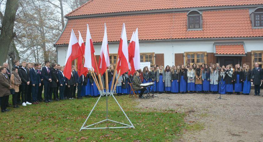 Szkoły średnie, Szkoła Hymnu Muzeum Hymnu Narodowego zabrzmiał Mazurek Dąbrowskiego - zdjęcie, fotografia