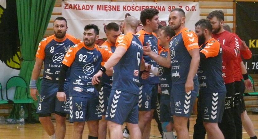 Piłka ręczna, Zwycięstwo piłkarzy ręcznych Sokoła Kościerzyna derbach Kaszub - zdjęcie, fotografia