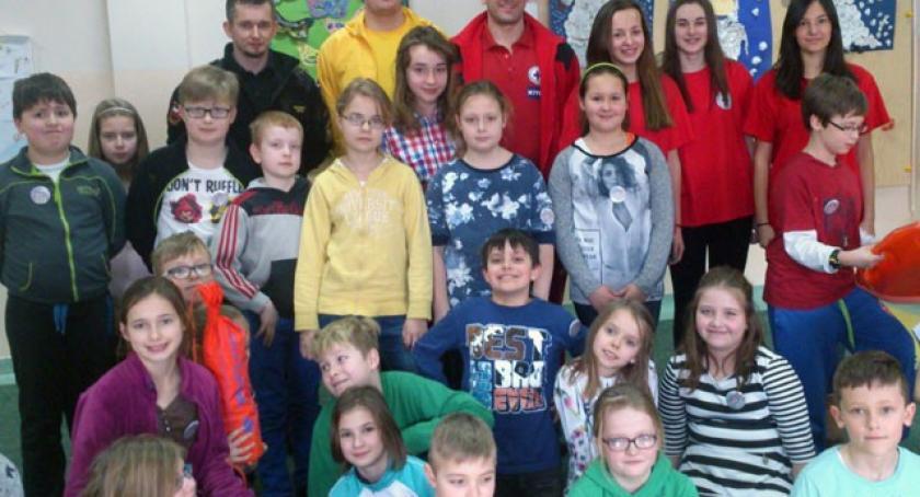 Szkoły podstawowe, tafla pęka ratownicy edukowali najmłodszych - zdjęcie, fotografia