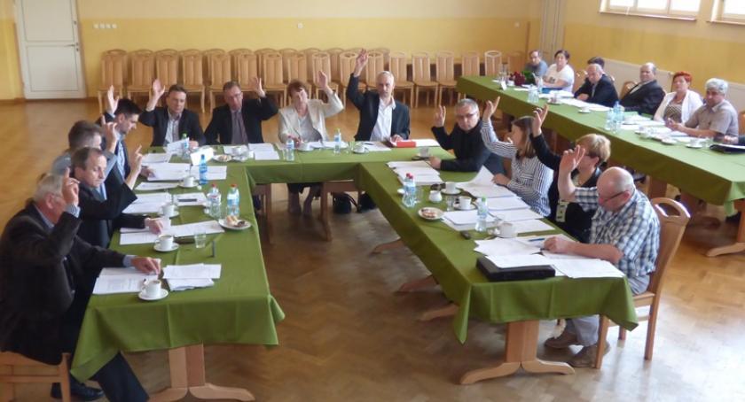Wieści z samorządów, Karsin Wójt Roman Brunke absolutorium - zdjęcie, fotografia