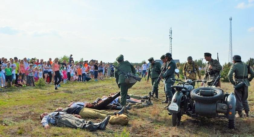 Imprezy, Inscenizację Łubianą obejrzały tłumy - zdjęcie, fotografia