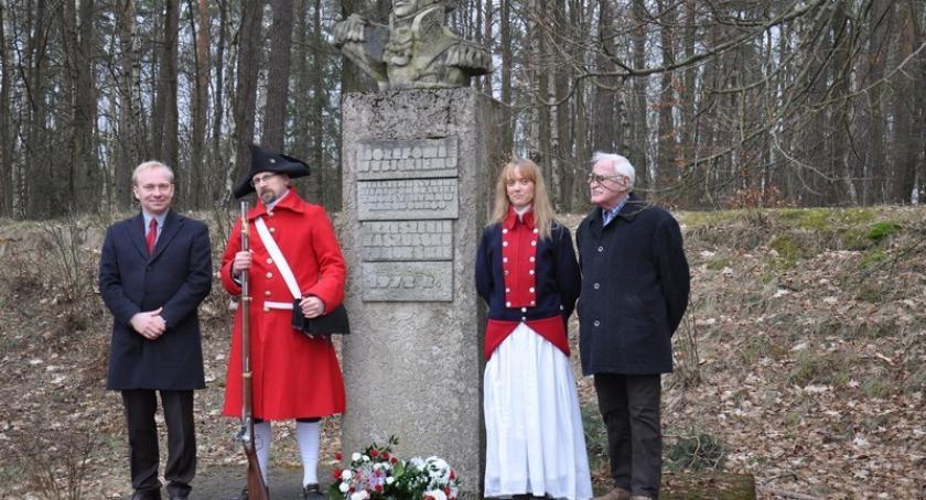 Uroczystości patriotyczne, Karczma Upamiętnili rocznicę śmierci Józefa Wybickiego - zdjęcie, fotografia