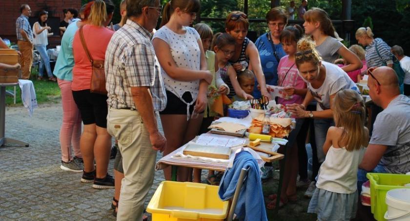 Pomoc społeczna, socjalna, Feniks popiołu będą integrować dzieci młodzież pieczy zastępczej - zdjęcie, fotografia