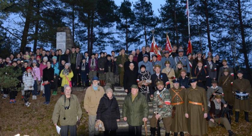 Organizacje pozarządowe, Harcerze wzięli udział obchodach rocznicy Zielony Pałacyk Męcikale - zdjęcie, fotografia
