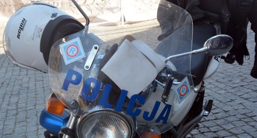 Wypadki, latek wywrócił motocyklu trafił szpitala - zdjęcie, fotografia