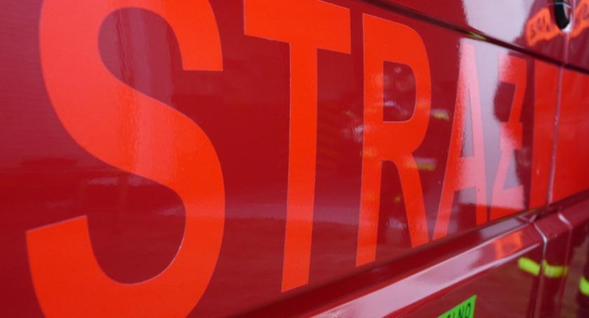 Służby w akcji, Burze wichury przewrócone drzewa strażacy interweniowali - zdjęcie, fotografia
