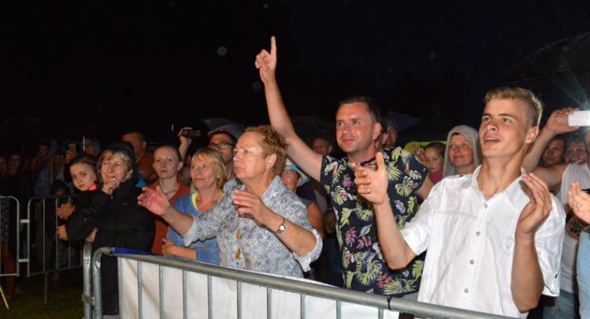 Imprezy, Wdzydze Święto Sielawy muzyką humorem - zdjęcie, fotografia