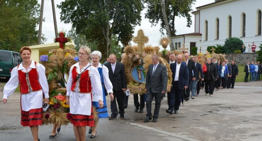 Imprezy, Niedamowo Rolnicy gminy Kościerzyna dziękowali plony - zdjęcie, fotografia