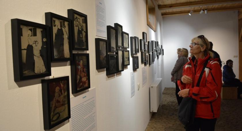 Literatura i sztuka, Przywrócili przeszłość niezwykłe fofografie wdzydzkim muzeum - zdjęcie, fotografia