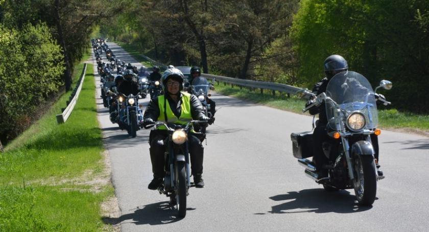 Imprezy, Motocykliści Kaszub rozpoczęli sezon Mściszewicach - zdjęcie, fotografia