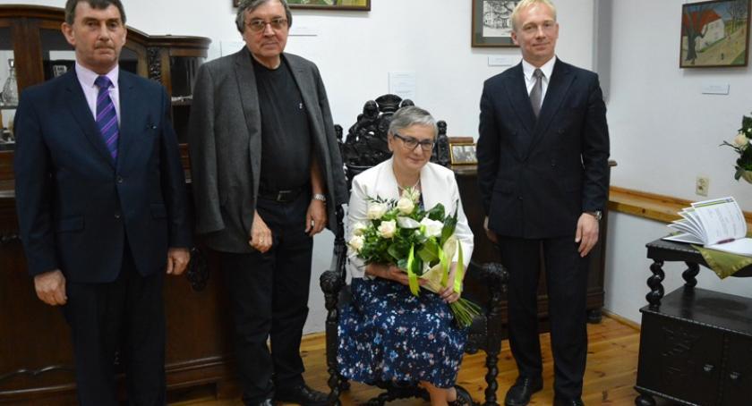 Ludzie i pasje, Elżbieta Adamkiewicz Drożyńska Honorowym Obywatelem Gminy Karczma - zdjęcie, fotografia