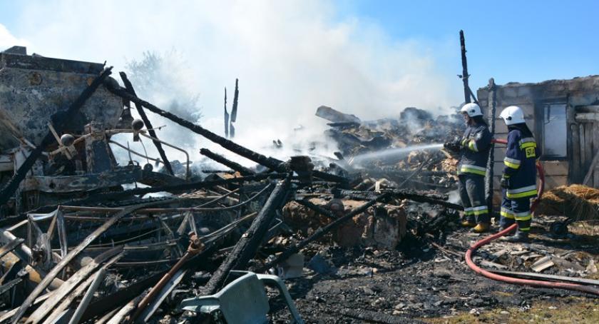 Pożary, Szatarpy Spłonęła stodoła żyje mężczyzna - zdjęcie, fotografia