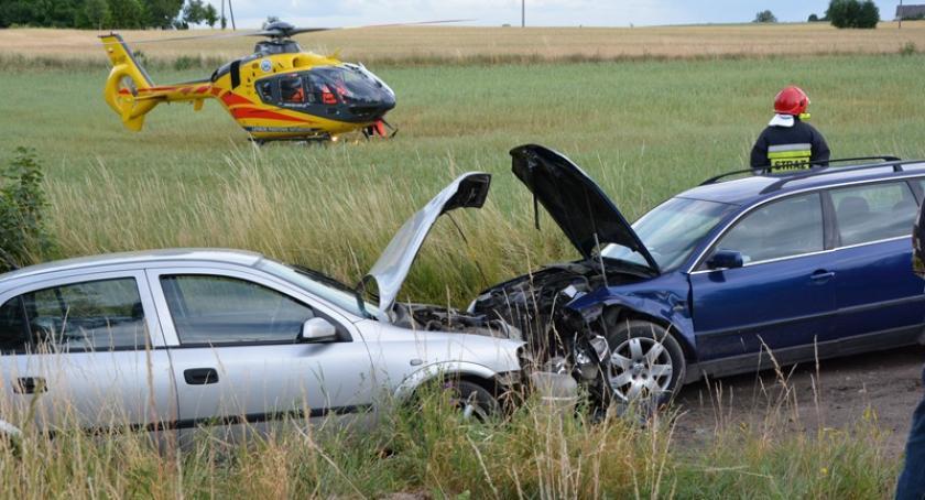 Wypadki, Czołówka Liniewie Cztery osoby ranne - zdjęcie, fotografia