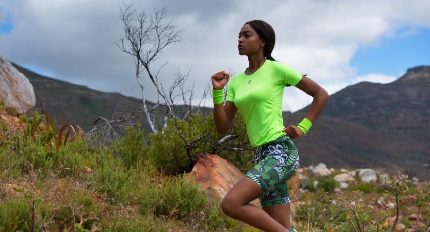 Biegi, Skąd czerpać energię biegania Zalety porannych wieczornych treningów - zdjęcie, fotografia