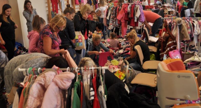 Akcje społeczne i charytatywne, Rekordowa Jesienna Giełda Kartuzach - zdjęcie, fotografia