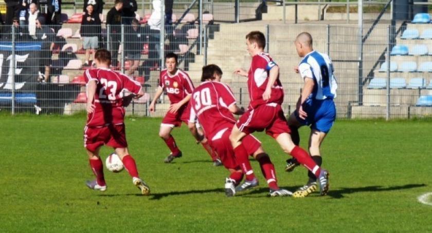 Piłka nożna, Falstart Kaszubii inaugurację sezonu - zdjęcie, fotografia