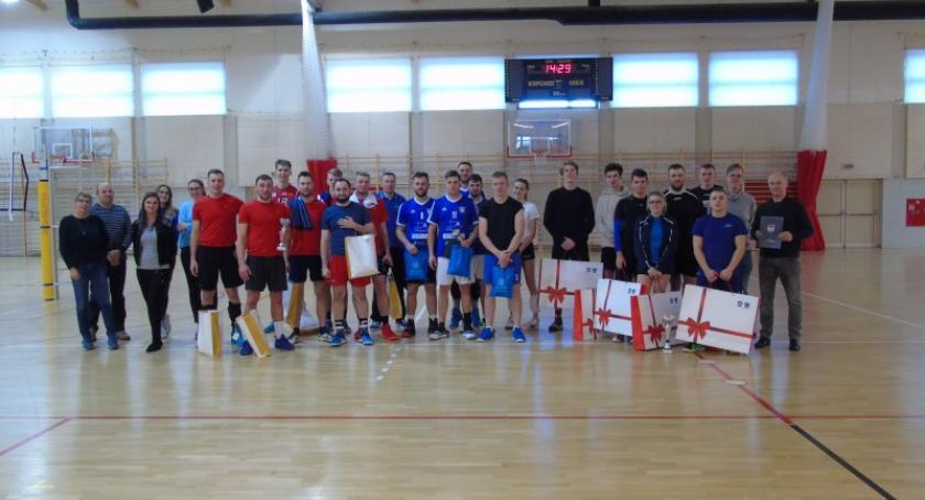 Siatkówka, ACRYLEX Kościerzyna zwycięzcą turnieju Starej Kiszewie - zdjęcie, fotografia