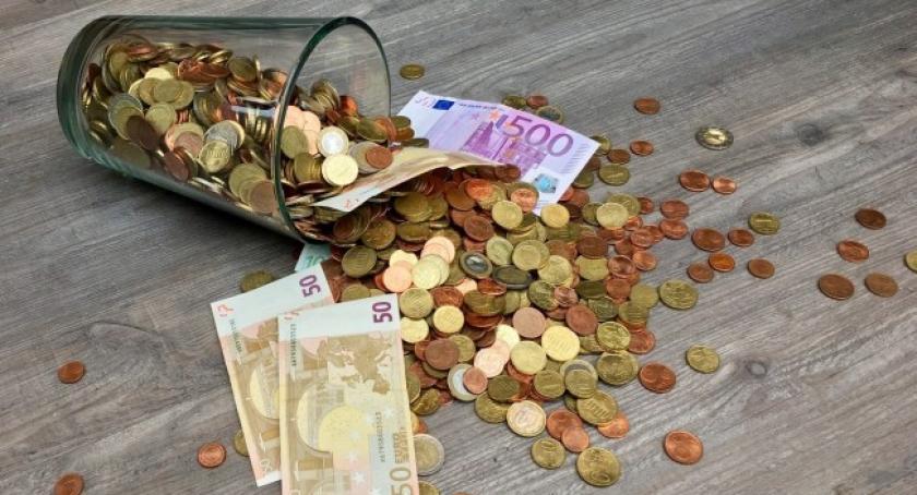 Artykuł sponsorowany, jakie najczęściej pożyczamy pieniądze - zdjęcie, fotografia