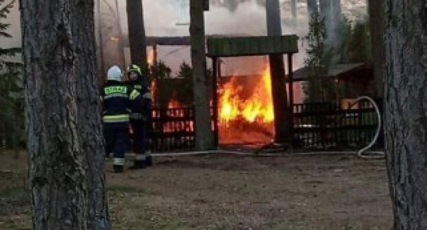 Pożary, Tragiczny pożar gminie Dziemiany żyje mężczyzna - zdjęcie, fotografia