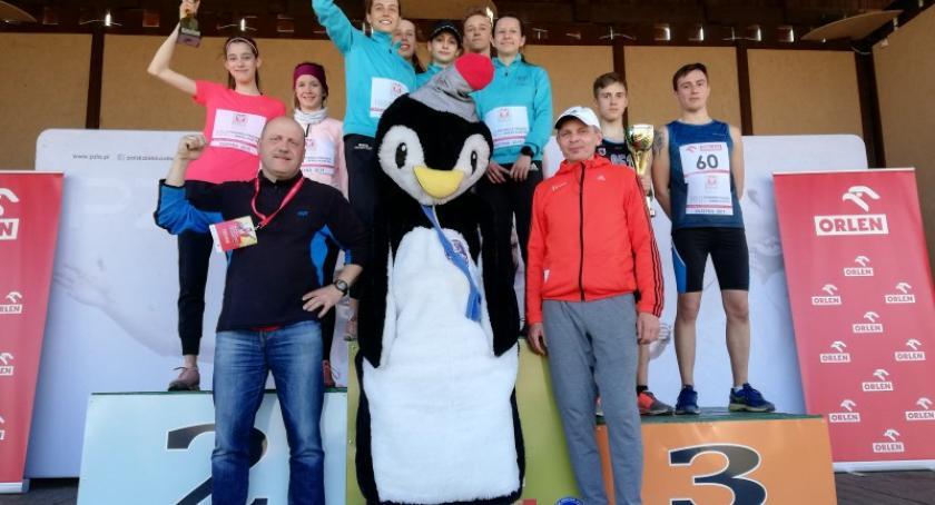 Biegi, Sukces kościerskich biegaczek Mistrzostwach Polski Olimpia Breza złotem - zdjęcie, fotografia