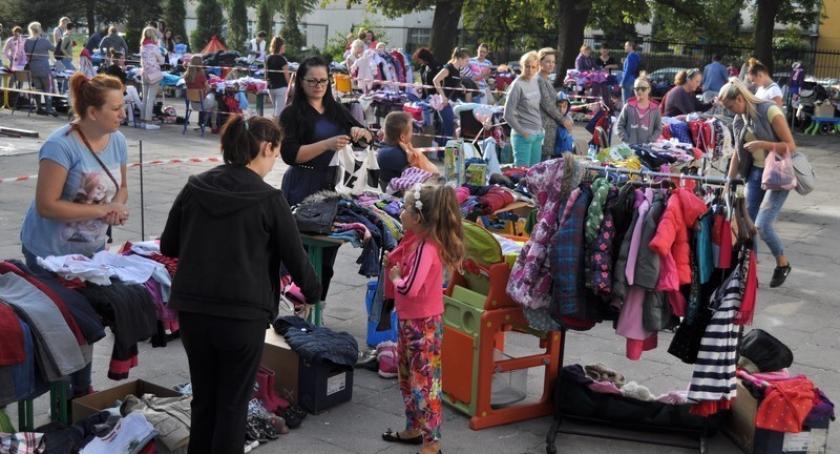 Akcje społeczne i charytatywne, sobotę wiosenna Giełda Kartuzach - zdjęcie, fotografia