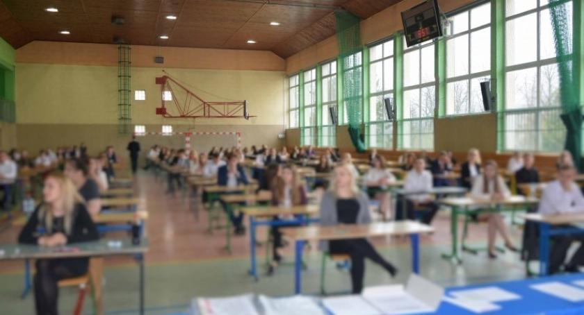 Szkoły średnie, Maturalny maraton rozpoczęty! - zdjęcie, fotografia