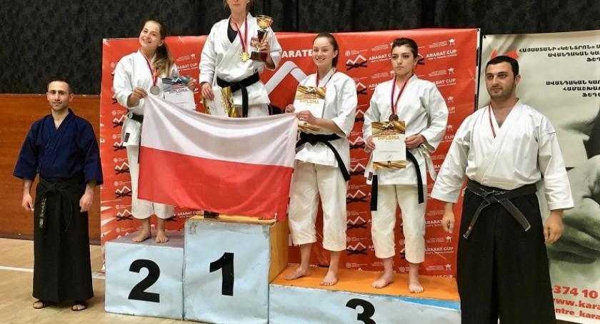 Sporty walki, medale Magdy Mielnik Armenii - zdjęcie, fotografia