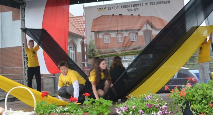 Szkoły podstawowe, Jubileusz lecia Szkoły Podstawowej Tuszkowach - zdjęcie, fotografia