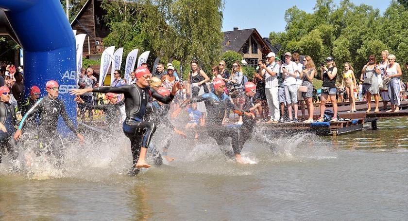 Triathlon, Około zawodników wystartowało Garmin Triathlon Stężycy - zdjęcie, fotografia