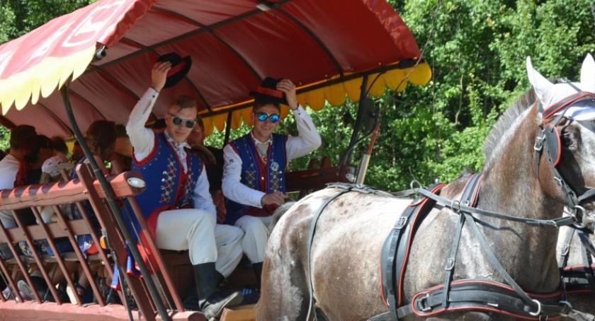 Imprezy, Wielka Parada Bryczek Wozów Szymbarku - zdjęcie, fotografia