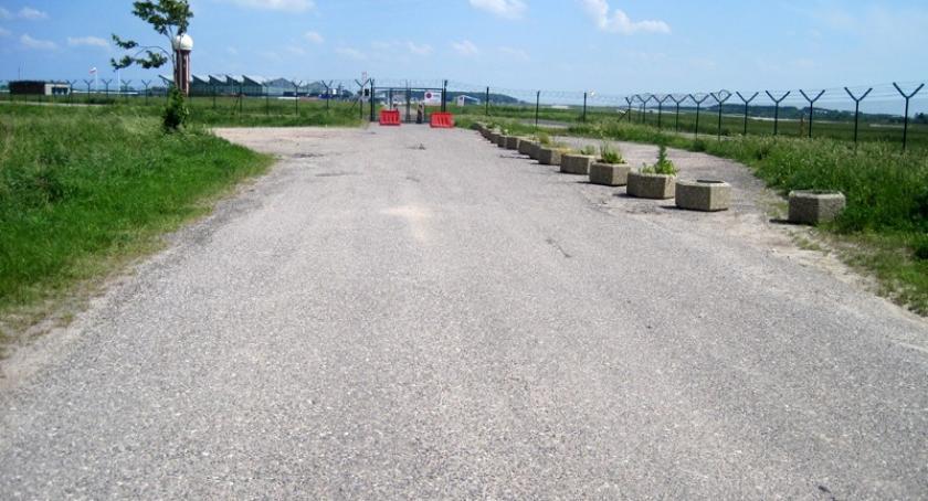Transport, Chcesz przywrócenia bezpośredniego drogowego połączenia Kaszub lotniskiem Podpisz petycję! - zdjęcie, fotografia