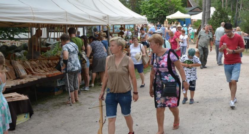Imprezy, Tłumnie Wdzydzach Jarmark Wdzydzki - zdjęcie, fotografia