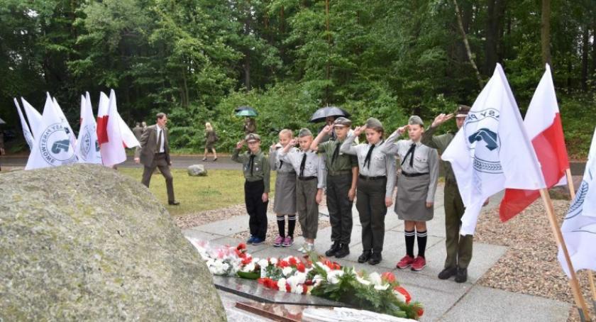 Uroczystości patriotyczne, Szarlota Upamiętnili leśników którzy zginęłi słuzbę Ojczyźnie - zdjęcie, fotografia