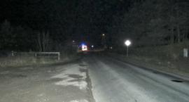 42-letnia kobieta z dziesięciolatką wbiegły na jezdnię wprost pod samochód