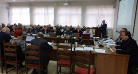 Radni gminy Kościerzyna grają na zwłokę? Seniorzy są rozczarowani