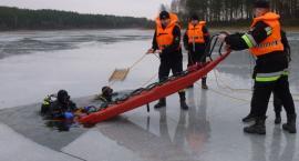Na ratunek uwięzionym pod lodem