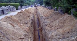 Gm. Nowa Karczma. Powstają kolejne kilometry sieci kanalizacyjnej
