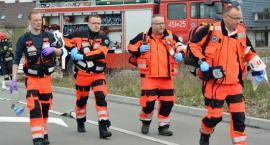 Kościerzyna. Zderzenie trzech pojazdów - 17 osób rannych, jedna osoba nie żyje