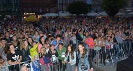 Wieczór z disco polo przyciągnął tłumy na kościerski Rynek