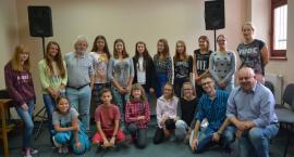 Młode talenty wokalne ćwiczyły pod okiem mistrza Konrada Mastyło