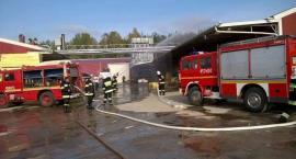 Bartoszylas. Pożar hali produkcyjnej - w akcji 70 strażaków (ćwiczenia)