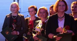Kościerzyna. Nauczyciele otrzymali nagrody z okazji Dnia Edukacji Narodowej