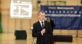 Modrzejewski wyzywa swoich kontrkandydatów