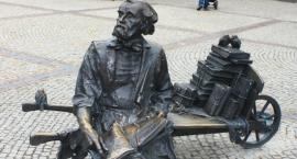 Pomnik autora przygód Remusa znów wróci do Kościerzyny