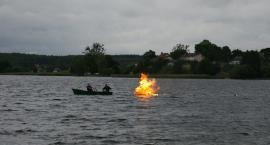 Na Jeziorze Wielewskim spłonęła czarownica