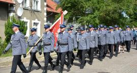 Święto kościerskiej policji pod znakiem awansów, podziękowań i pamięci o poległych policjantach