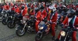Zmotoryzowane Mikołaje na kościerskim Rynku