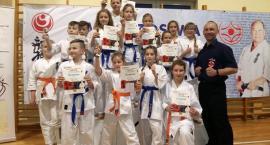 Siedem medali dla kościerskich karatetów na mistrzostwach w Toruniu