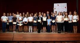 Liniewo. Uzdolniona młodzież nagrodzona stypendiami za wyniki w nauce